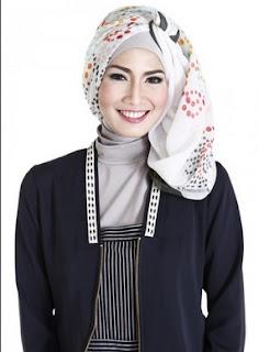 Contoh model hijab acara resmi