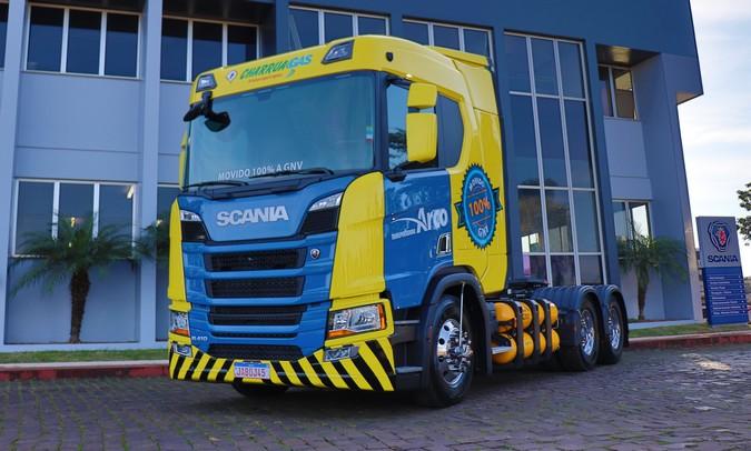 Grupo Charrua adquire primeira frota de caminhões Scania 100% movida a gás