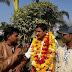 शिवपुरी- विधायक वीरेंद्र रधुवंशी का फिल्म निर्माता विनोद गुर्जर, देव सावलानी ने स्वागत किया व प्यार को सलाम फिल्म के लिए आशिर्वाद लिया