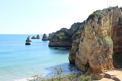 rocky-beach-lagos-portugal
