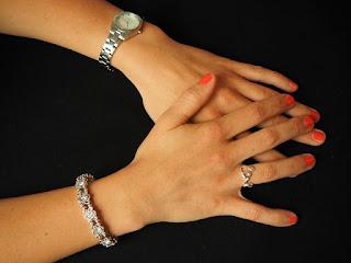 Cara Memutihkan Perhiasan dengan Baking Soda