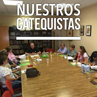 Reunidos con el grupo de catequistas de la Parroquia.