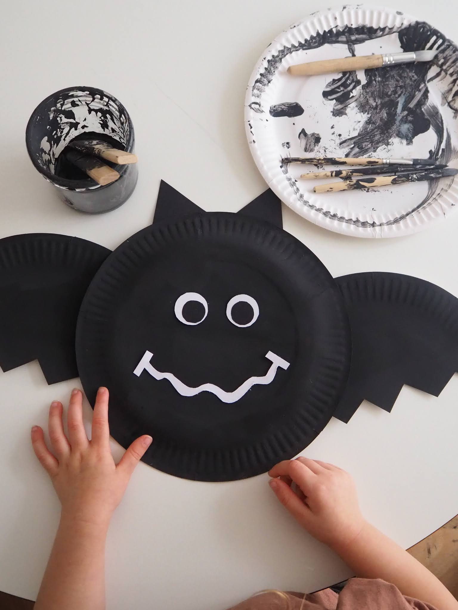 Halloween Craft - Paper plate bat
