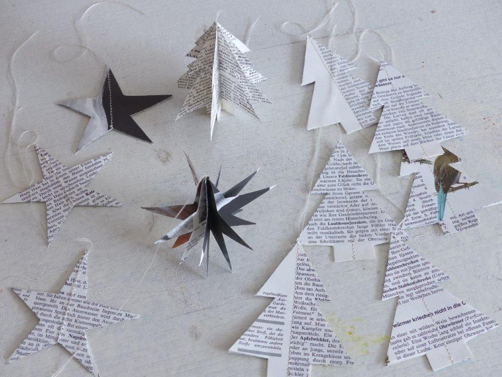 Weihnachtliche Papier Sterne Und Tannen In 3d Aus Alten Buchern