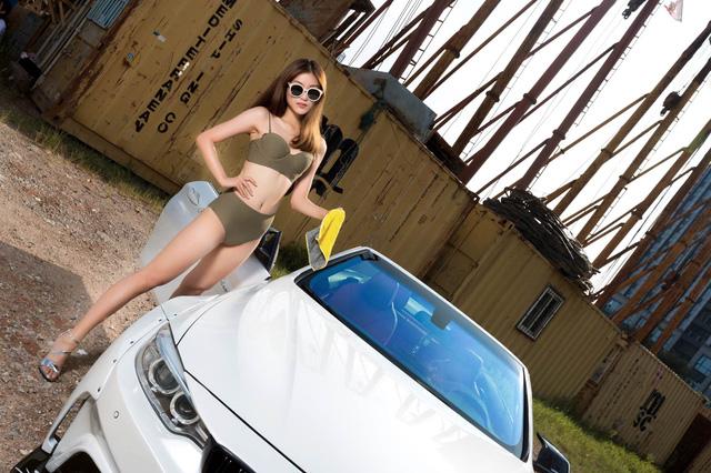 Người đẹp ô tô