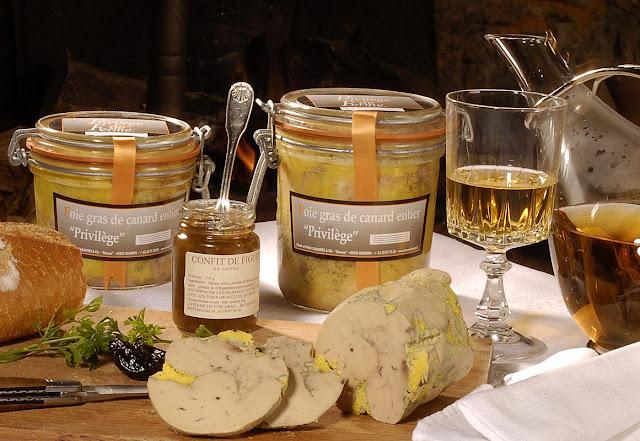 Pão, foie gras, confitura, licor, a promessa de sucesso é que 'são feitos como antes'