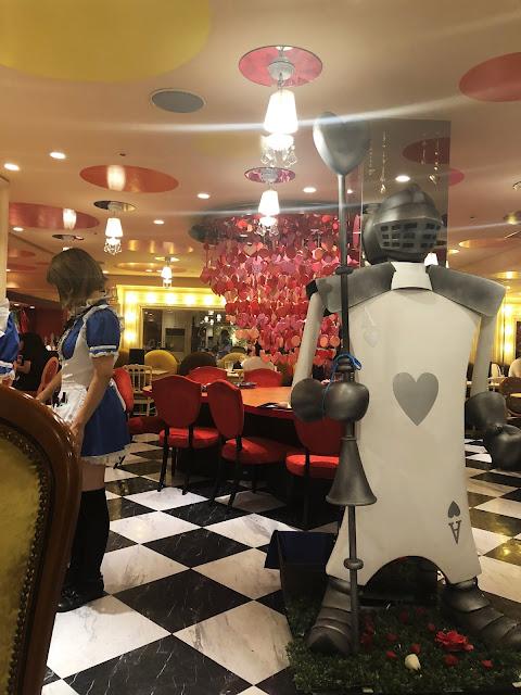 Café Alice in Magical Land à Shinjuku