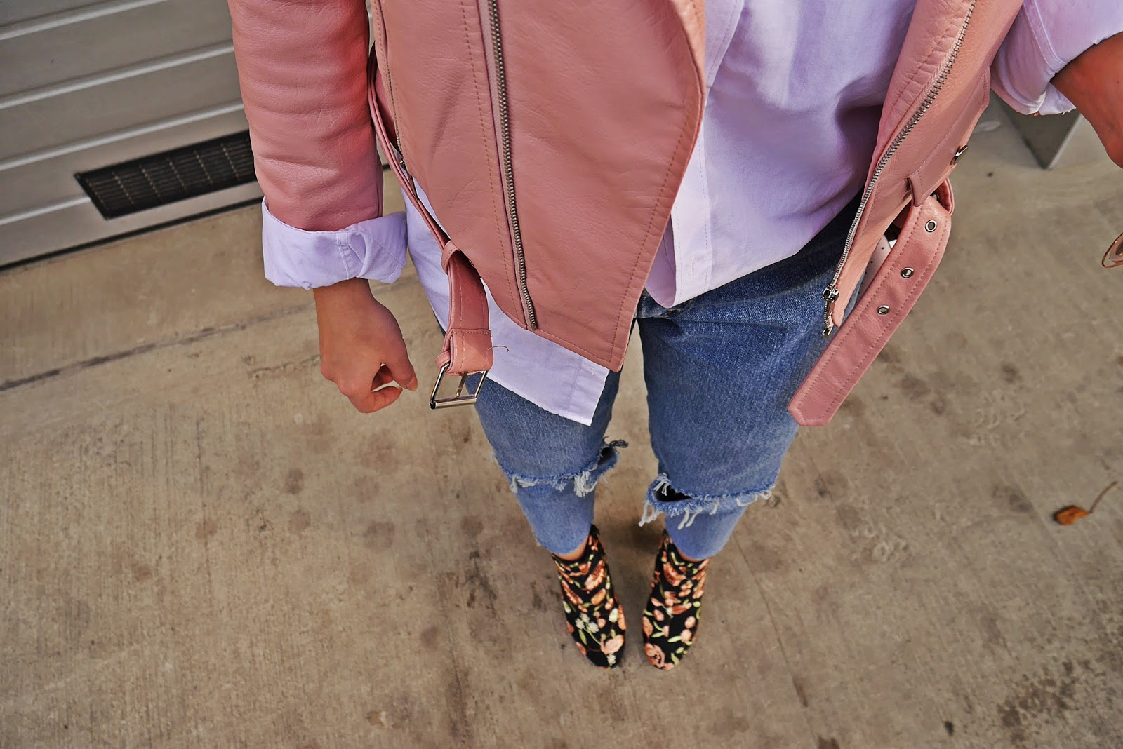 9_pink_leather_jacket_embroidery_boots_outfit_karyn_blog_modowy_271017sdc