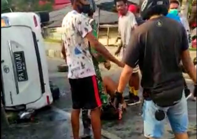 Pengendara dan Warga Jadi Aksi Tabrak Lari Beruntun Avansa Putih di Abepura.lelemuku.com.jpg