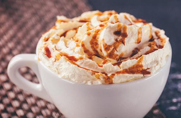 How to make a hot caramel latte