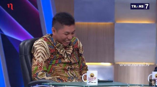Suasana yang riuh itu bermula dari pertanyaan Najwa Shihab untuk Jansen Sitindaon, soal mau dan malu atau tidak berkoalisi dengan Presiden Joko Widodo (Jokowi).