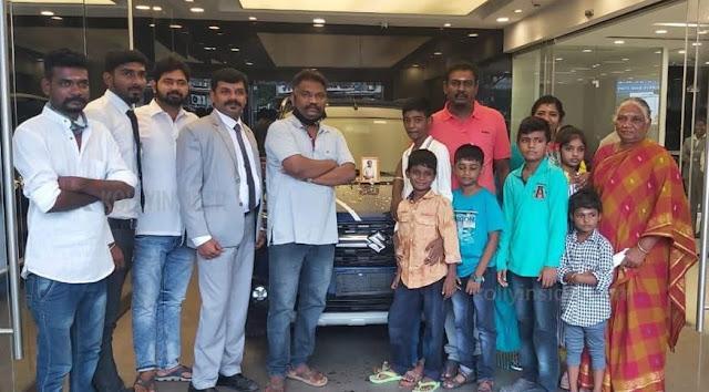 Producer gifts car for 'Ka Pae Ranasingam' director