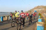 Ramaikan HUT Jateng Ke-69, Kasdam IV/Diponegoro Ikut Fun Bike Di Wonogiri