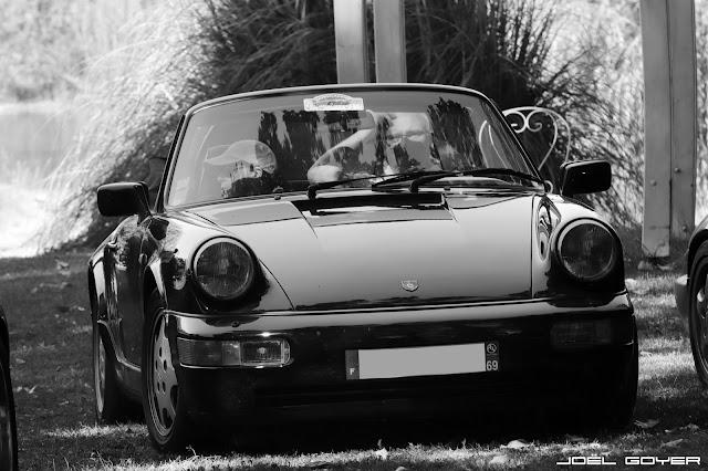Black and White Porsche 964