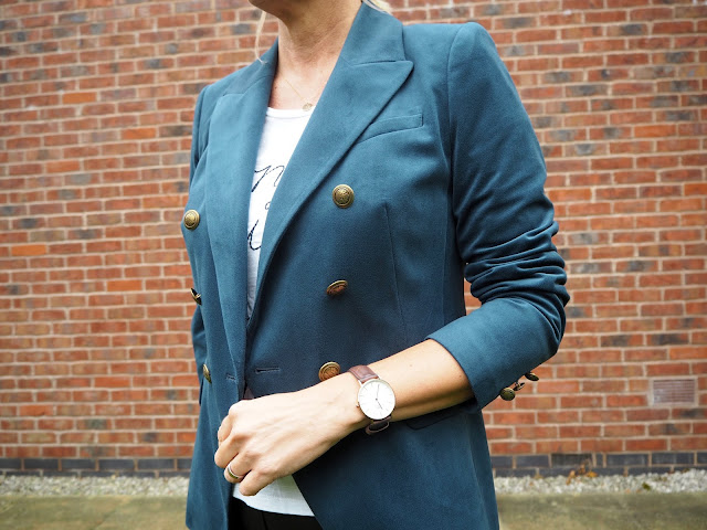 teal blazer and daniel wellington watch