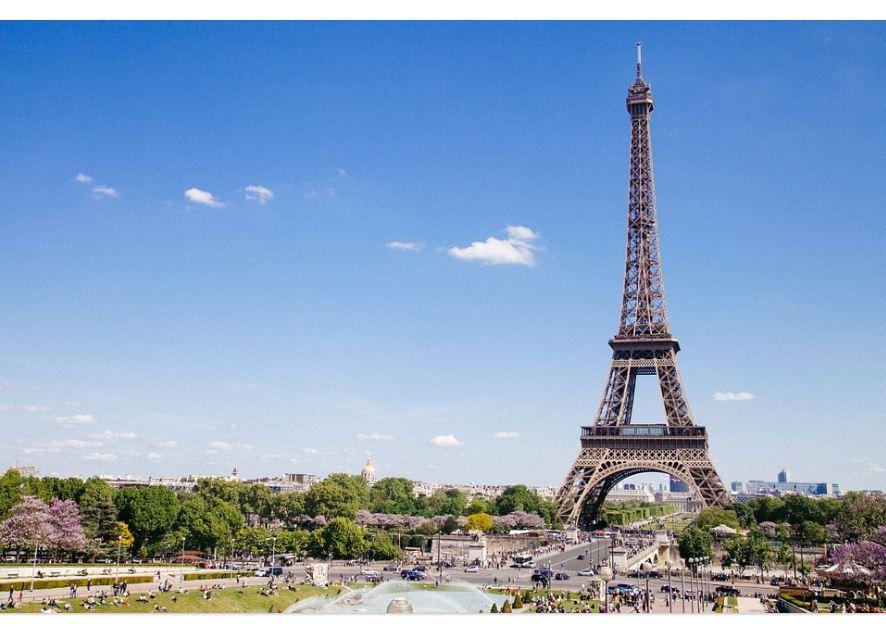 Sejarah dan cerita panjang menara eiffel bang isman sebelum didirikan di kota paris menara eiffel sebenarnya direncanakan untuk tersedia di kota barcelona spanyol sebagai pameran universal tahun 1888 thecheapjerseys Images