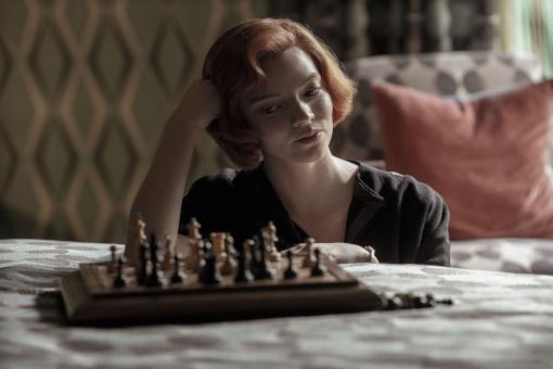 Le duel entre Nona Gaprindachvili et Beth Harmon ne se jouera pas aux échecs mais en justice