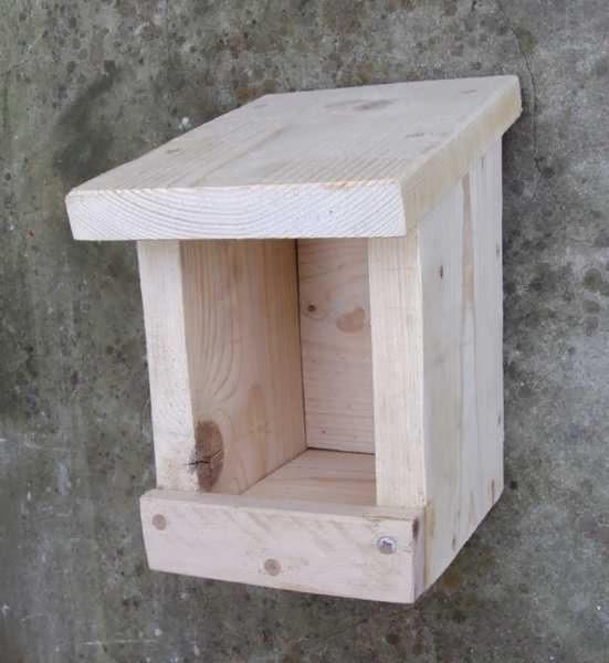 unis vers nature fabriquer une mangeoire oiseaux. Black Bedroom Furniture Sets. Home Design Ideas