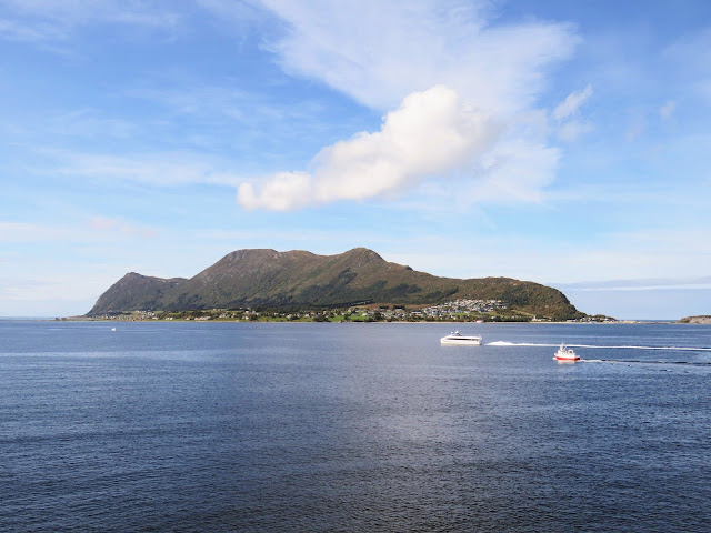 Things to do in Alesund: Hike to Tueneset Torpedo Battery