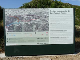 GR11ラ・セルバ・デ・マル La selva de mar - サン・ペラ・ダ・ローダス修道院 Monestir de Sant Pere de Rodes