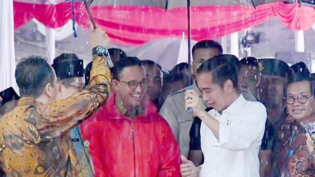 Langkah Jokowi Memupus Rencana Pilkada 2022 dan 2023