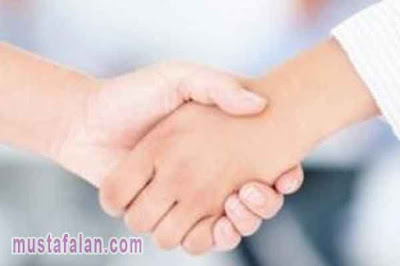 hadits tentang berjabat tangan