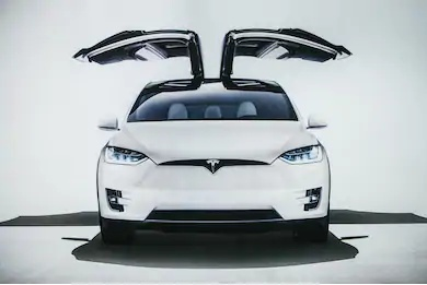 How does Tesla's electric cars works?