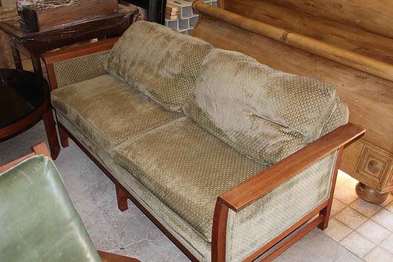 R Family Furniture Sale Stickley Fayetteville Sofa