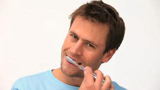 por que hay que cepillarse los dientes