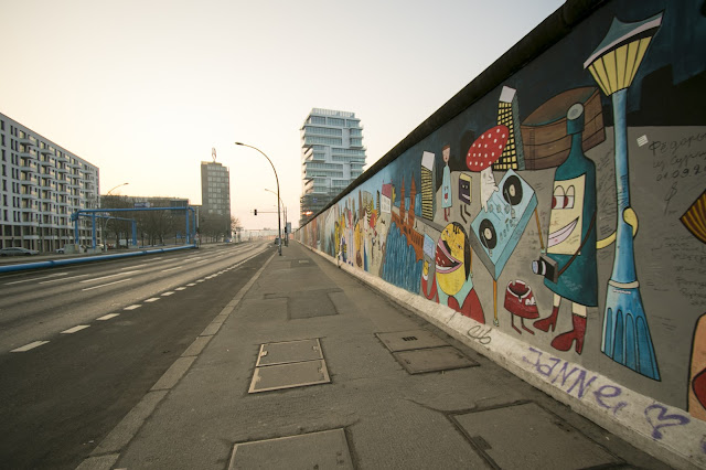 Murales sulla East side gallery-Berlino
