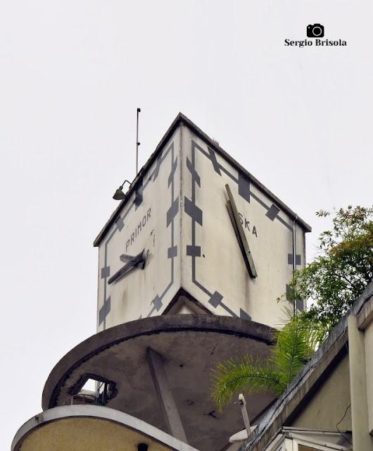 Close-up do antigo Relógio Primor-Eska-Omega - Cerqueira César - São Paulo