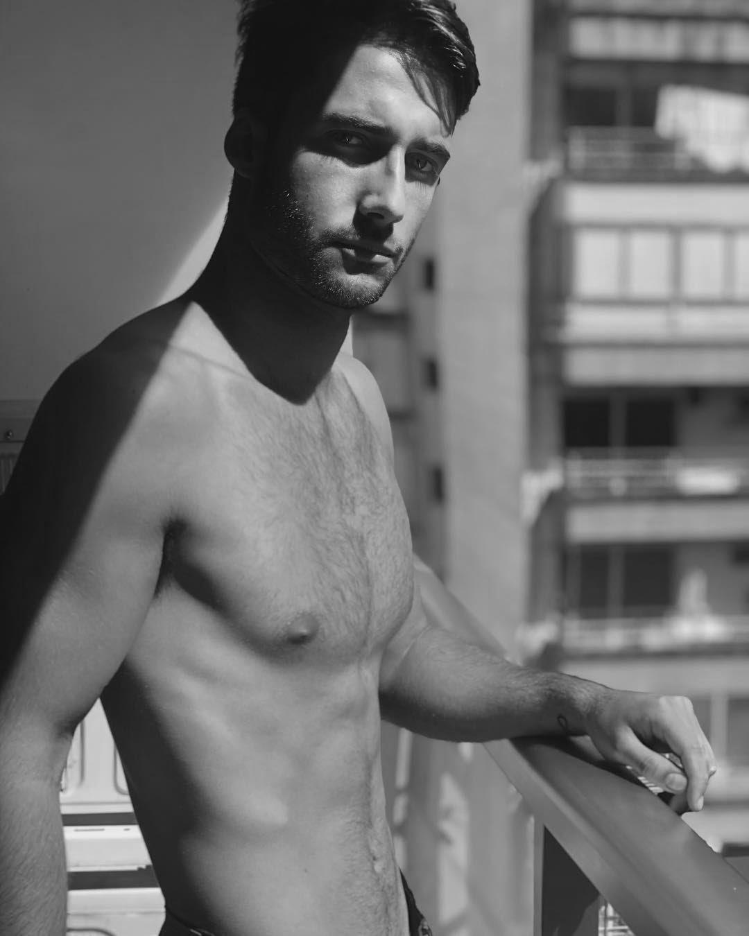 ShadowS, by Valentino Ayello