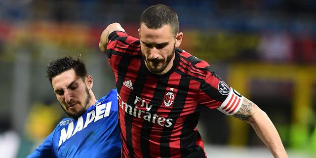 Leonardo Bonucci ketika masij jadi bek AC Milan. (reuters)