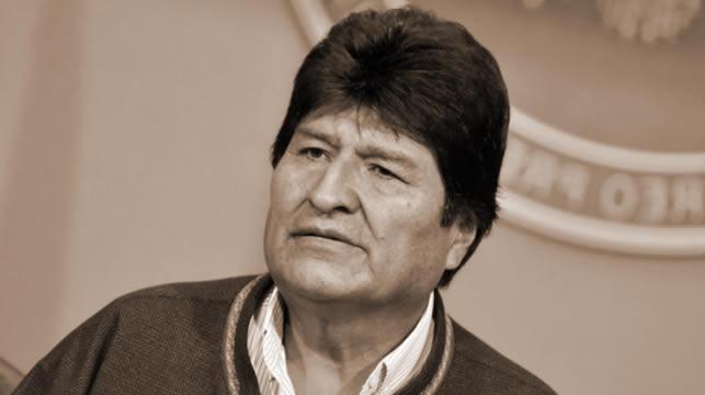 Evo Morales viaja a Cuba desde su refugio en Argentina