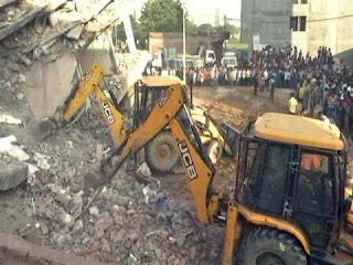 Near Delhi , Building Falls ,3 People Dead ,After 6-Storey,Near Delhi  Building Falls 3 People Dead After 6-Storey On Another , Many Trapped,news