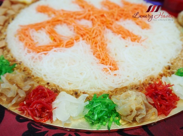creative singapore yusheng ingredients colourful prosperity toss