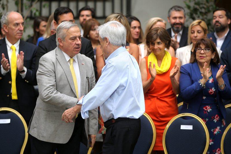 Ministro Mañalich explica cómo es el proyecto para reformar Fonasa