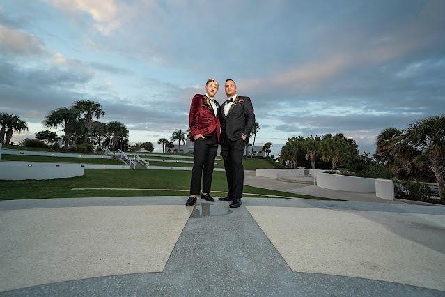 Wedding Portraits outside the Mansion at Tuckahoe Jensen Beach FL Wedding Venue