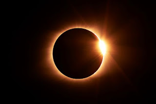 Eclipse Photo by Jongsun Lee on Unsplash