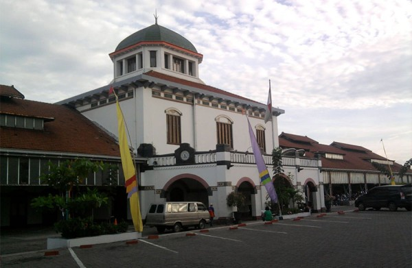 masing kota niscaya mempunyai suatu dongeng historis yang lekat dengan tempo dulu dan justru ma Tempat Wisata Terbaik Yang Ada Di Indonesia: Tempat Wisata Kota Lama Semarang, Saksi Bisu Kerukunan Etnis dan Budaya