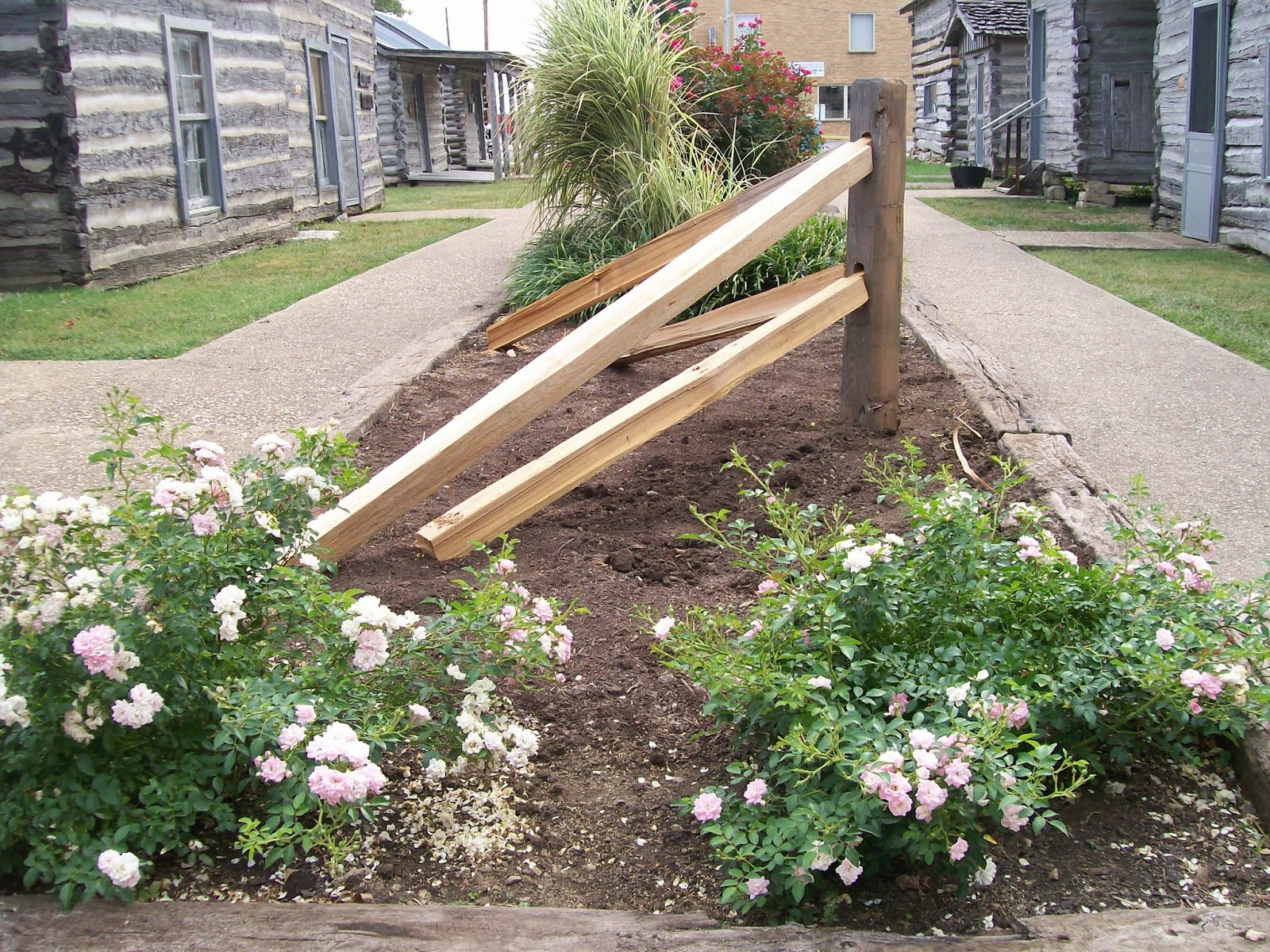 19+ Modern Corner Fence Landscaping Ideas - Landscape Ideas
