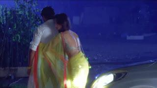 Surbhi Jyoti aka Zoya of Qubool hei In Saree (1).jpg