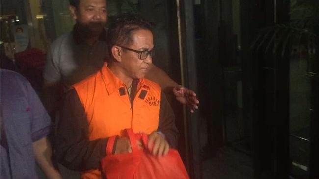 Memakai Baju Orange, Khamami Dibawa ke Rutan Pomdam Jaya Guntur
