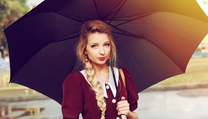 10 Desain Payung Unik yang Bisa Kamu Pakai di Musim Hujan