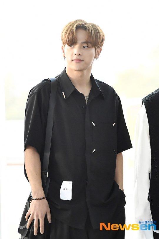 Woojin Stray Kids'ten ayrıldı, JYP ile olan kontratı iptal edildi