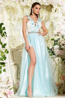 Rochie superba de seara, bleu, cu decolteul in V in fata cat si la spate