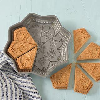 Nordic Ware Sweet Snowflakes Pan