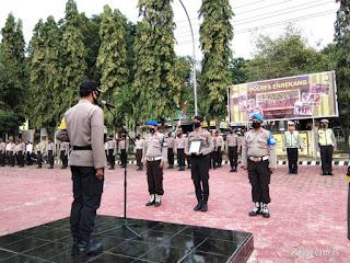 Pimpin Upacara PTDH, Kapolres Enrekang : Jangan Hal Ini Terulang Lagi