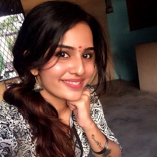 Shree Gopika Neelnath (Actress) Wiki, Bio, Age, Family, Husband, Films and Many More