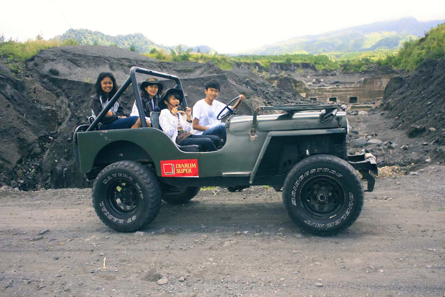 Jeep Lava Tour, Outbound Jogja